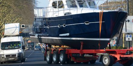 kuehne nagel conveys 600 boats to show itj transport journal. Black Bedroom Furniture Sets. Home Design Ideas